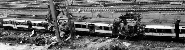 El tren que explotó frente a la calle de Téllez de Madrid, muy cerca de la estación de Atocha, y en el que murieron 63 personas, el 11 de marzo del 2004.