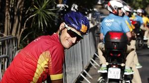 El triatleta español Mario Mola realizael reconocimiento del recorrido de la prueba en Río.