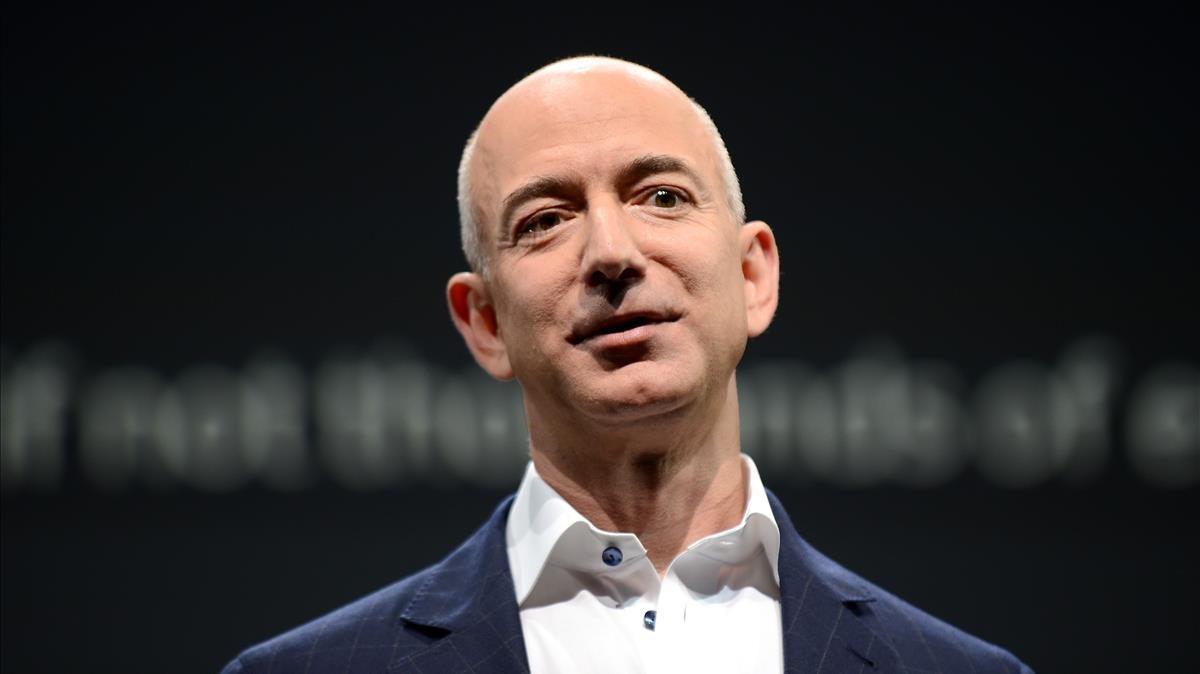 Jeff Bezos vol traslladar indústria a la Lluna per salvar la Terra