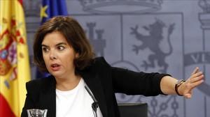 La vicepresidenta, Soraya Saénz de Santamaría, en la rueda de prensa posterior al Consejo de Ministros.
