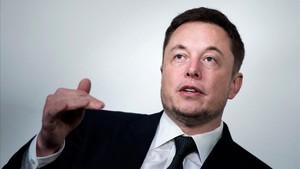 Musk, sorprès després de la gravació de la primera escena porno en un cotxe autònom Tesla