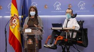 La portavoz del PSOE en el Congreso, Adriana Lastra, y su homólogo en Unidas Podemos, Pablo Echenique