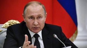 Vladimir Putin pronunciando un discurso.