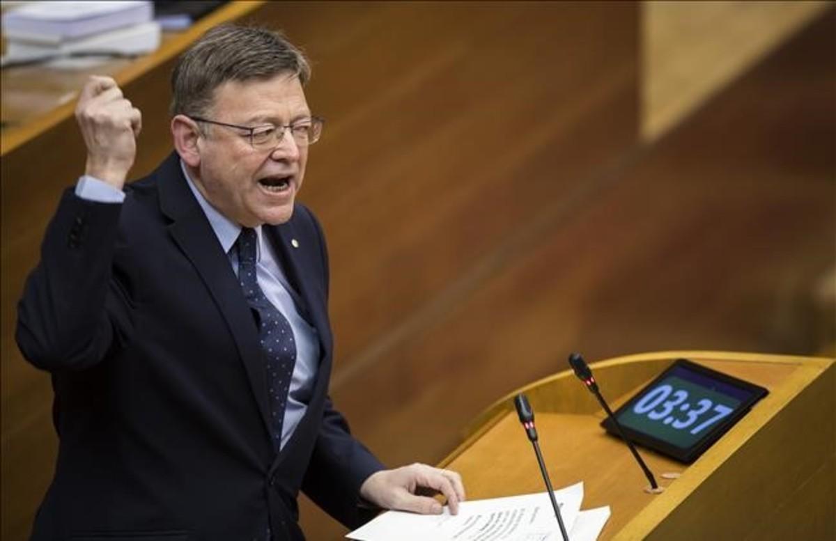 El presidente de la Generalitat Valenciana, Ximo Puig, interviene en una sesión de Les Corts.