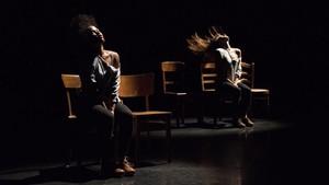 Escena de Rosas danst Rosas.