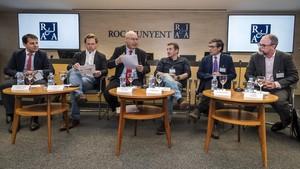 Los participantes en la mesa redonda.