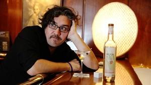 Àlex Torío,cantante, pianista y guitarrista,además de licenciado en física y profesor de matemáticas.