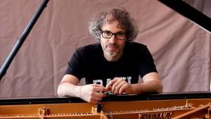 El músic James Rhodes demana a Pedro Sánchez més mesures contra els abusos a menors
