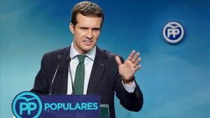 """Casado ve """"apartheid social"""" en Catalunya"""