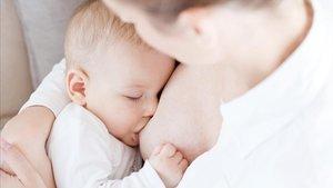 Detecten la Covid-19 a la llet materna