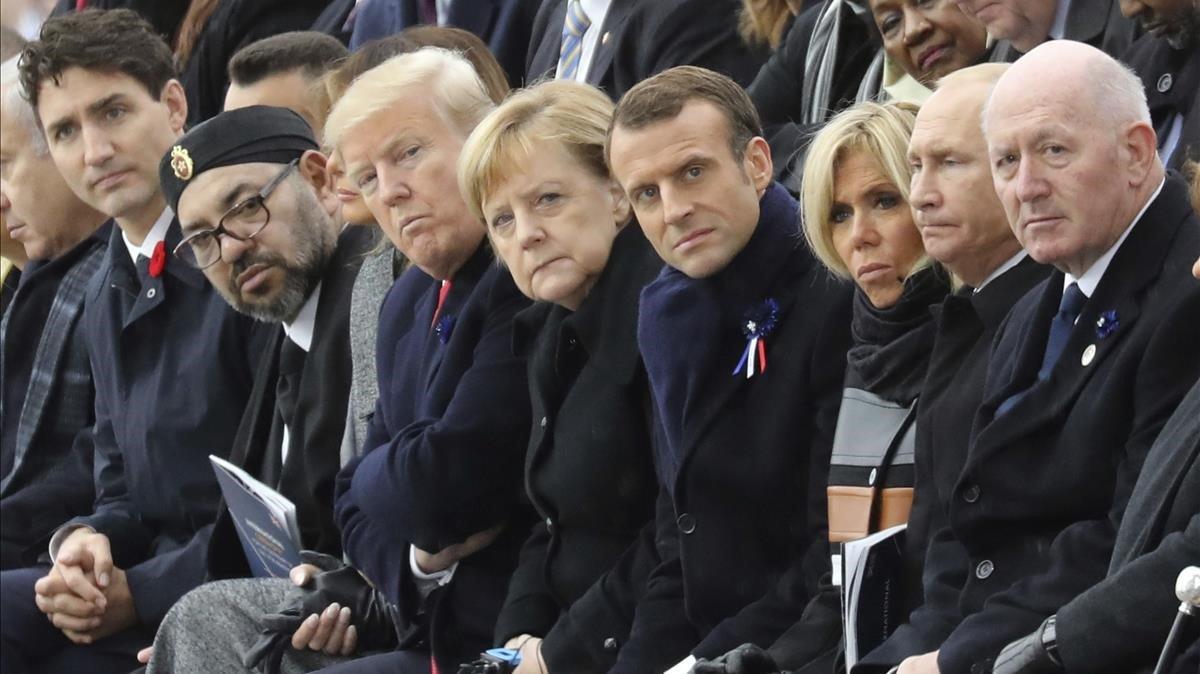 La primera fila de mandatarios, durante la ceremonia del 100º aniversario del armisticio de la Gran Guerra.