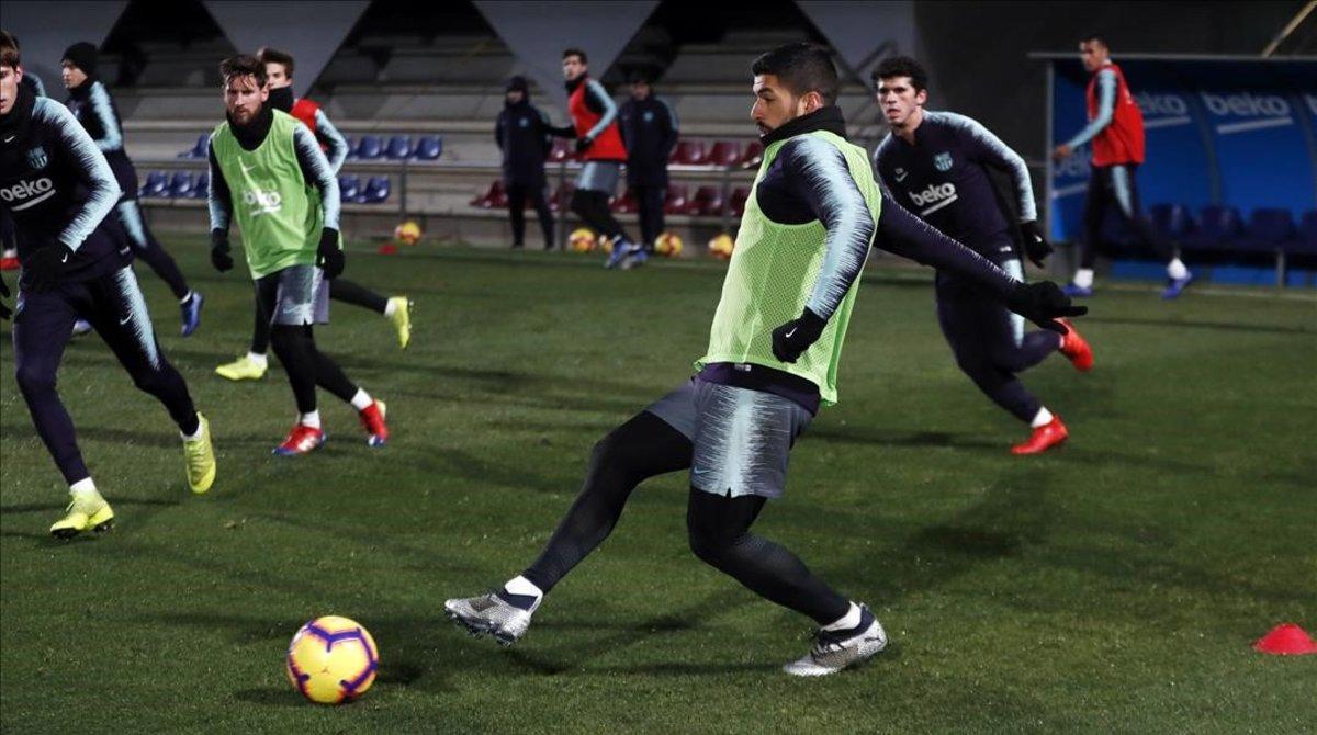 Primer entrenamiento del año en la Ciutat Esportiva Joan Gamper.
