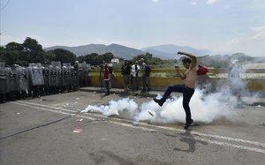 Els EUA pressionen l'Exèrcit veneçolà per tombar Maduro