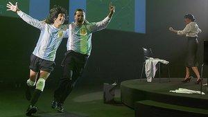 Un instante de la obra 'Shock(el cóndor y el puma)', dirigida por Andrés Lima.