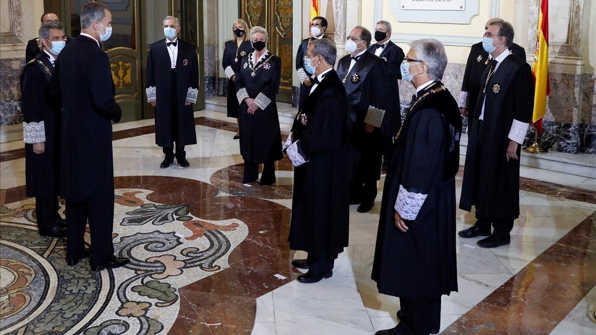 Imagen del rey Felipe VI a su llegada a la inauguración del año judicial en el Salón de Plenos del Tribunal Supremo en Madrid.