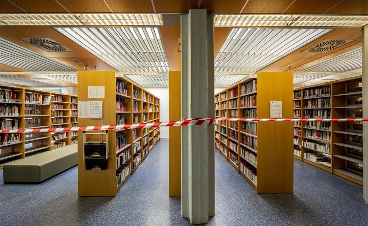 La biblioteca de la Universidad Politécnica de València, precintada.