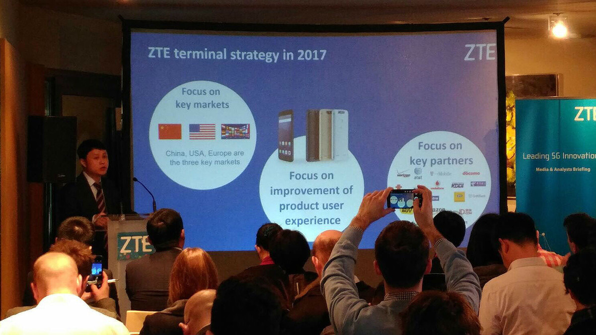ZTE ha anunciado en la jornada previa al Mobile World Congress 2017 de Barcelona el Gigabit Phone.