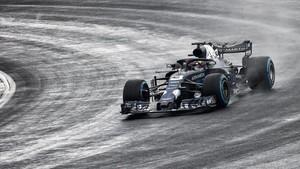 Ricciardo, en pista con el RB14