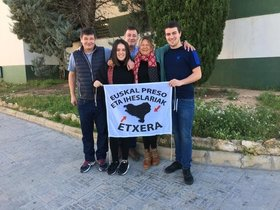 La abogada de presos de ETA Arantza Zuelueta, a su salida de la prisión de Picassent.