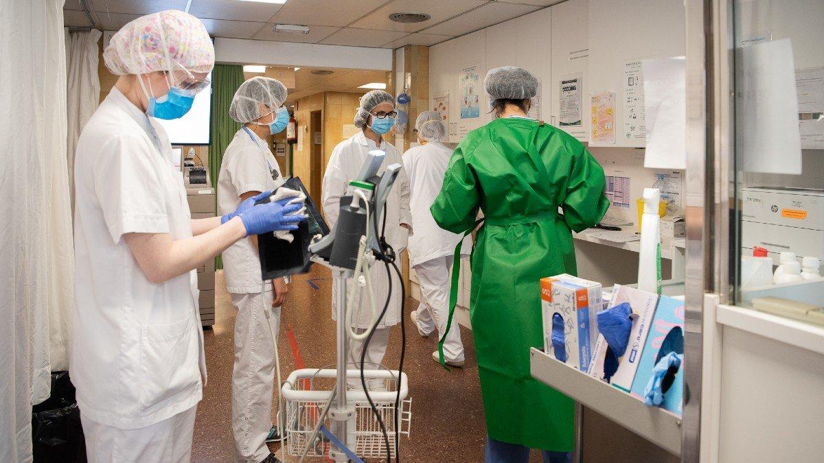 Atención al paciente con covid-19 en el Hospital Clínic de Barcelona.