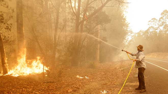 Austràlia mobilitza 3.000 reservistes davant de la crisi d'incendis catastròfics