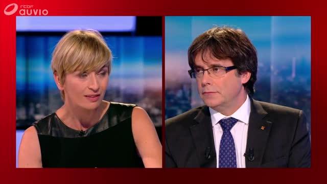 Momentosde la entrevista a Carles Puigdemont en la televisión pública belga (RTFB).