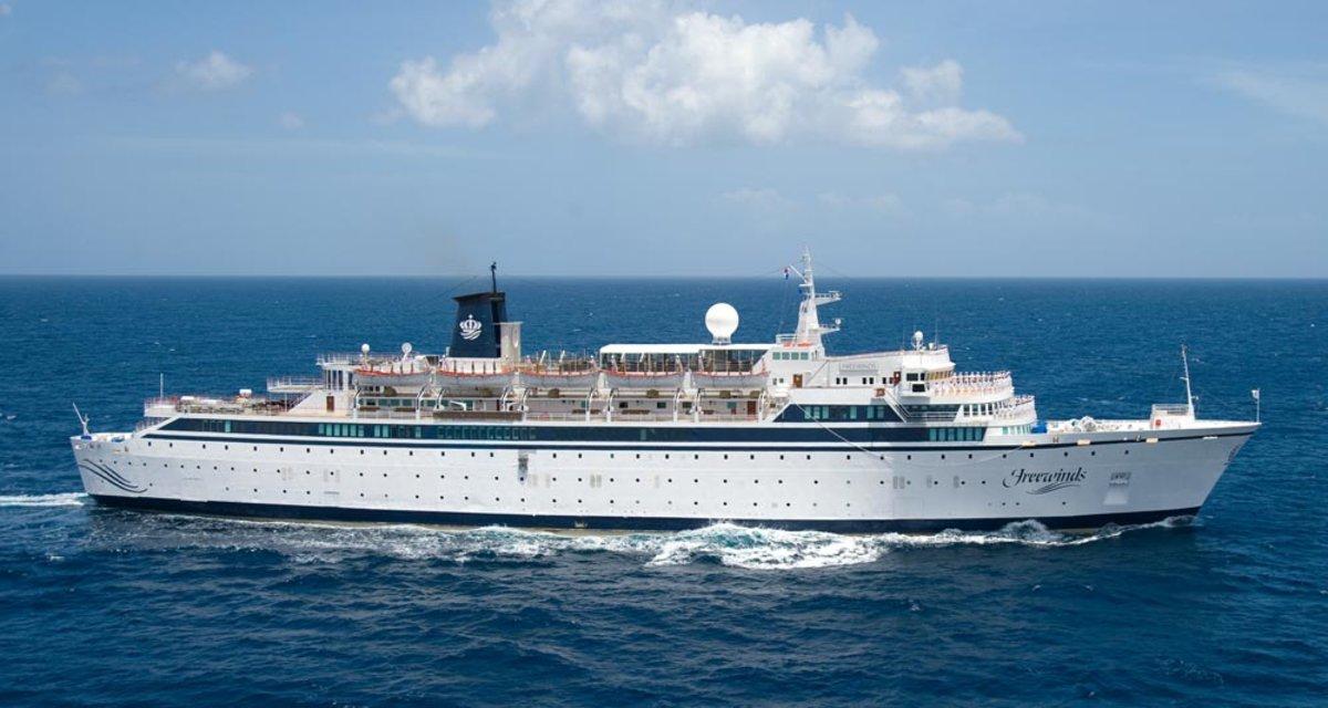 El barco Freewinds.