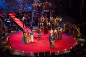 Una escena del segundo acto de Carousel.