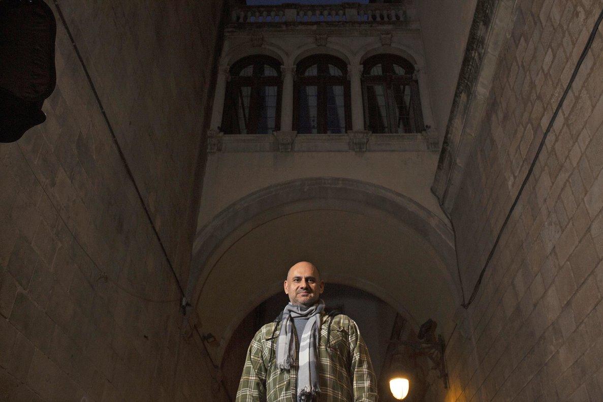 El cocinero Jordi Artal (Cinc Sentits), en la calle de la Mercè.