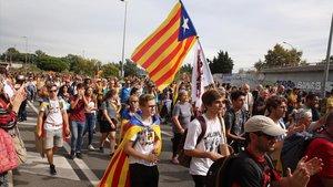 Entrada de la columna de la marxa per la Llibertat por Gran Via