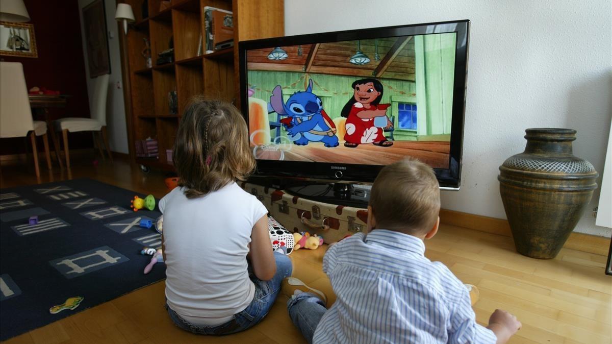 La mayoría de las familias conocen el control parental en la televisión, pero no lo usan.