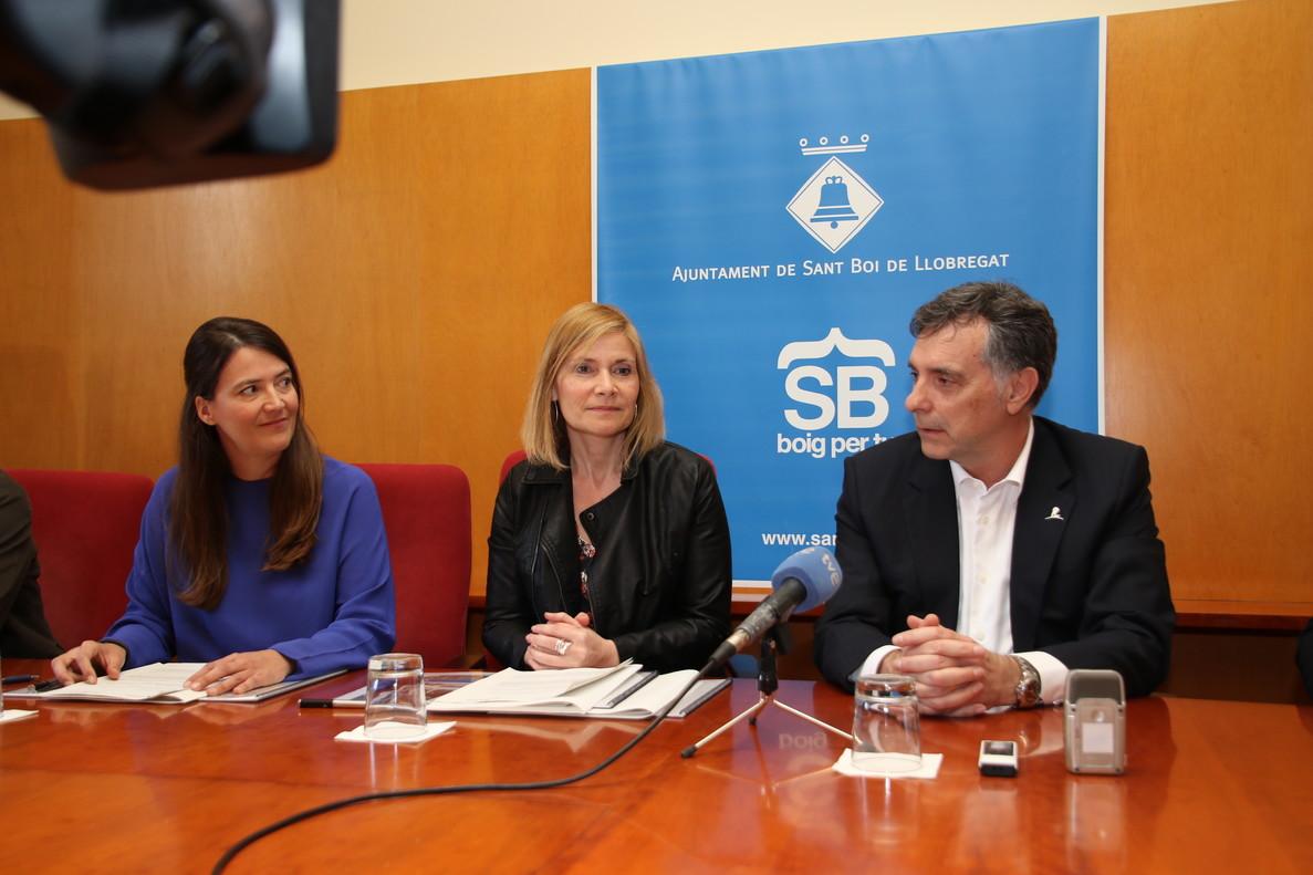 Firma del convenio entre Sant Boi y la Gasol Foundation