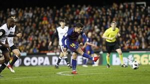 Coutinho dispara su obús en el Valencia-FC Barcelona de Copa.