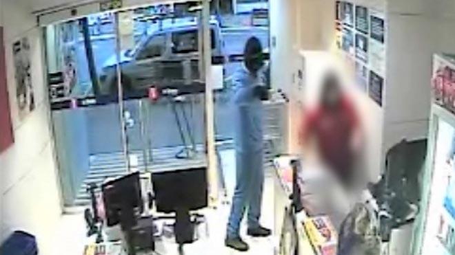 Un detenido por robar en seis tiendas de Barcelona amenazando con un cuchillo.