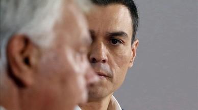 Felipe González planta a Sánchez en la escuela de gobierno del PSOE