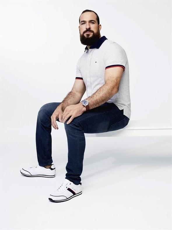 Prenda de ropa de la colección primavera-verano 2018 para personas discapacitadas