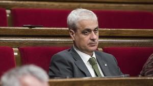 El exconseller de Justícia Germà Gordó, en su escaño del Parlament.