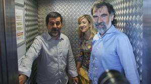Jordi Sànchez, Neus Lloveras y Jordi Cuixart, el pasado mayo, en Barcelona.