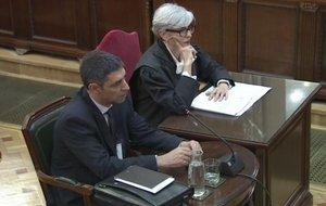Josep Lluís Trapero y su abogada, Olga Tubau, en su comparecencia en el Tribunal Supremo.