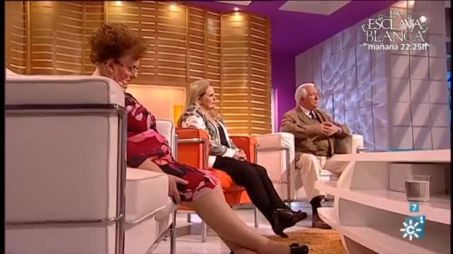 La invitada, Eloísa, se duerme en directo en el programa de Juan y Medio en Canal Sur.