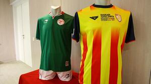 Las camisetas de Catalunya y Euskadi, durante la presentación del partido que enfrentará a ambas selecciones en San Mamés.