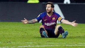 Leo Messi en el partido frente al Valencia en Mestalla.