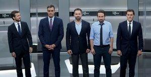 Los candidatos a la presidencia del Gobierno (i-d) durante el pasado debate electoral: Casado, Sánchez, Abascal, Iglesias y Casado.