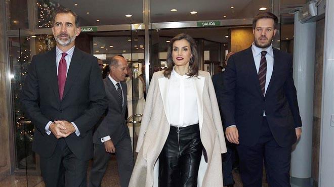 Los Reyes Felipe y Leticia visitan el Grupo Zeta, acompañados de Antonio Asensio Mosbah, para celebrar su 40 aniversario.