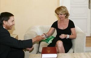 El ahora fiscal Anticorrupción Manuel Moix junto a Esperanza Aguirre en el 2009, cuando ocupaba el cargo de Fiscal Superior de Madrid.