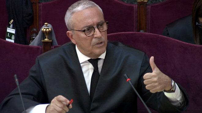 """L'advocat de Forn: """"El Govern no va declarar la independència, no s'arria la bandera"""""""
