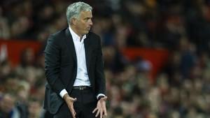 Mourinho, en una reacción airada en el primer partido del United de esta temporada.