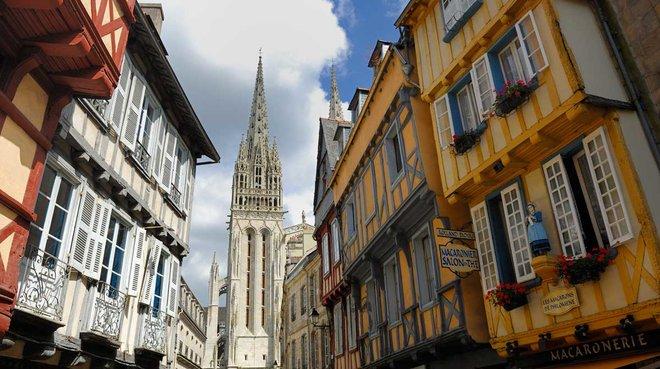 Quimper, con su catedral al fondo.