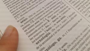 """La RAE actualitzarà al desembre l'ús de """"sexe dèbil"""" com a """"despectiu"""" i """"discrimintori"""""""