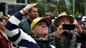 Simpatizantes de Uribe a las puertas del Supremo.